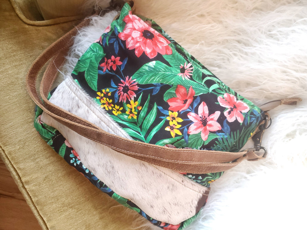 Take me to the Tropics Shoulder Purse