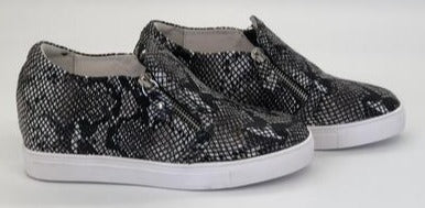 Hinako Bond Wedge Shoe - Python