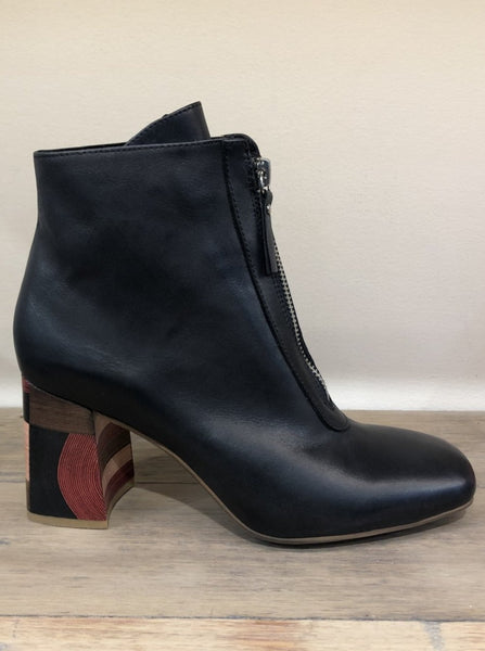 Django & Juliette Yasmyn Leather Ankle Boot - Black
