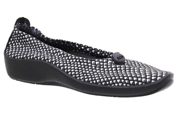 L14 Arcopedico Slip on Shoe - Black / White
