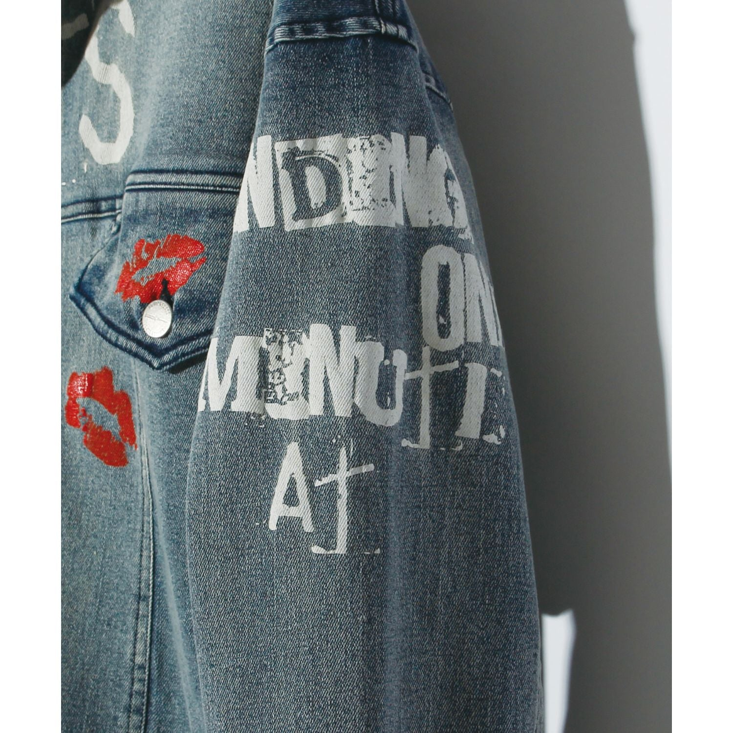 GRAPHIC PRINT DENIM JK / INDIGO