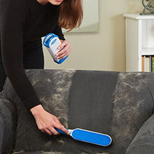 Load image into Gallery viewer, Portable Pet Hair, Fur & Lint Remover Brush with Self-Cleaning Base