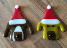 Load image into Gallery viewer, Fused Glass Christmas Dog