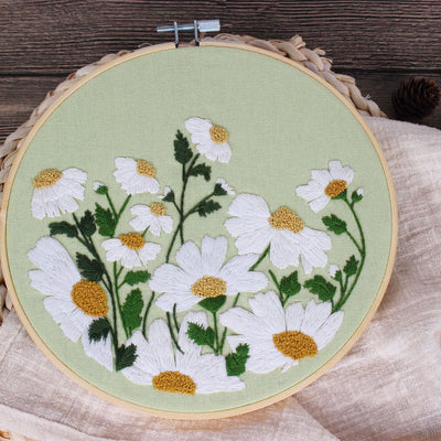 Green Oxeye Daisy Embroidery Kit