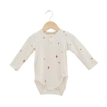 Made with a buttery soft bamboo jersey, this is the perfect short sleeve onesie for both boys and girls. Designed with a henley opening using snaps. Designed and made in British Columbia, Canada. Fabric Content (Twilight) – 66% Rayon of Bamboo / 28% Cotton / 6% Spandex. Machine wash cold on delicate cycle / Lay flat to dry / Do not bleach / Iron low if needed