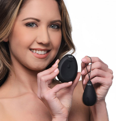 Bang! 10x Vibrating Silicone Egg W- Remote Black