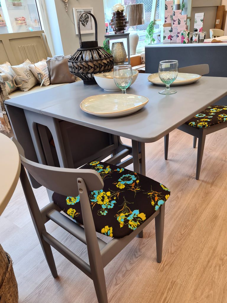 Retro drop leaf table with 2 chairs