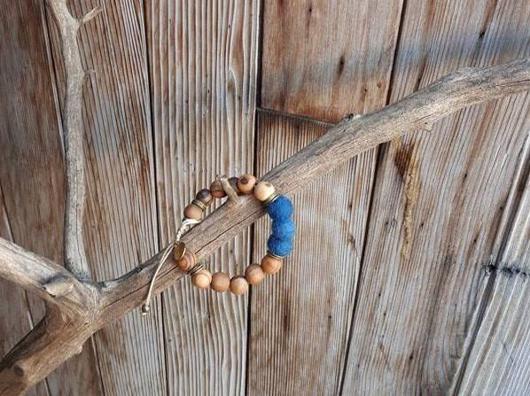 Adult Essential Oil Diffuser Bracelet - True Blue