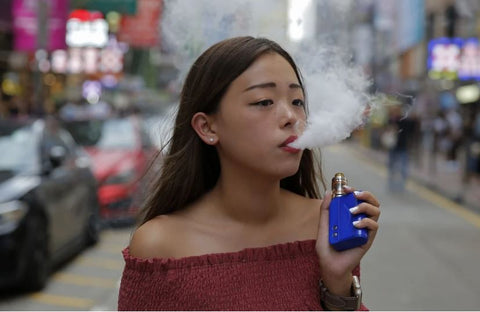 teenager vape in Hong Kong