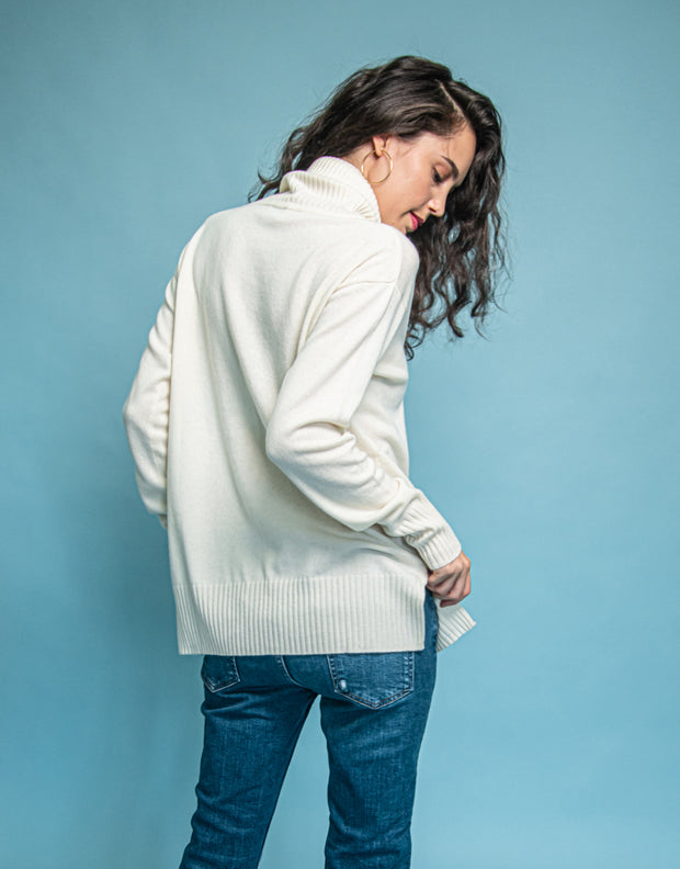 Relaxed Turtleneck Sweater in Ivory