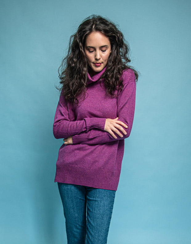 Relaxed Turtleneck Sweater in Blackberry