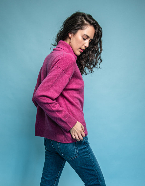 Cashmere Turtleneck Pullover in Berry