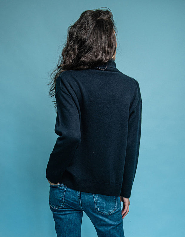 Cashmere Turtleneck Pullover in Nero Navy