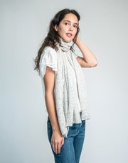 The Soft Cashmere Scarf in Silver Dot