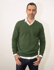 The Classic Cashmere V-Neck Pullover in Loden