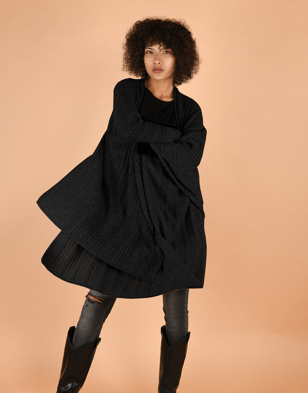 Hippie Cape in Black