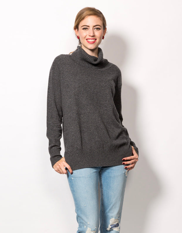 Relaxed Turtleneck Sweater in Shale
