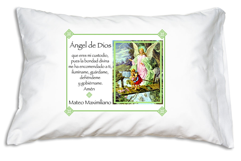 Here's what our pretty Ángel de la Guarda Prayer Pillowcase/Verde looks like when you personalize it.