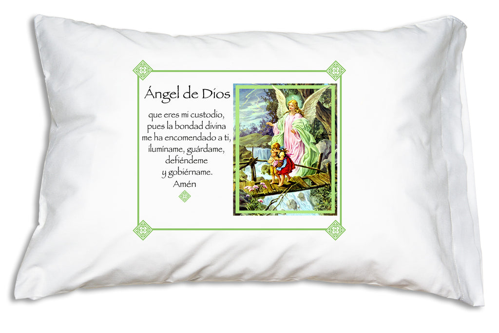 This sweet Ángel de la Guarda Prayer Pillowcase teaches children to pray to their Guardian Angel!