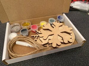 Bauble Painting Craft Kit