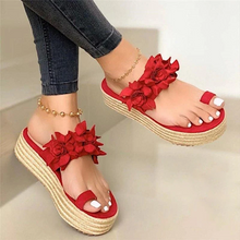 Load image into Gallery viewer, WOMEN CASUAL DAILY FLOWER SLIP ON PLATFORM SLIPPERS