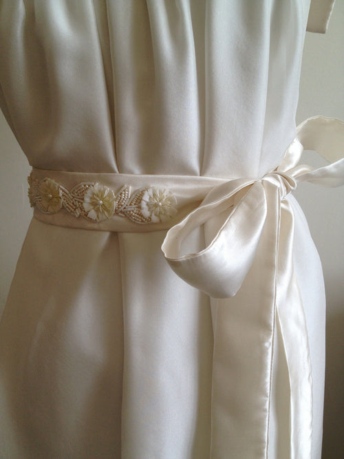Belt/Sash: Pretty Floral in ivory silk satin