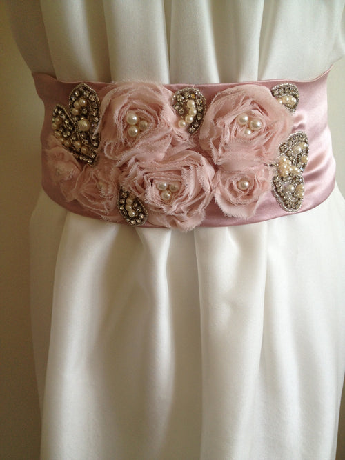 Belt/Sash: Romantic pink detailed silk satin