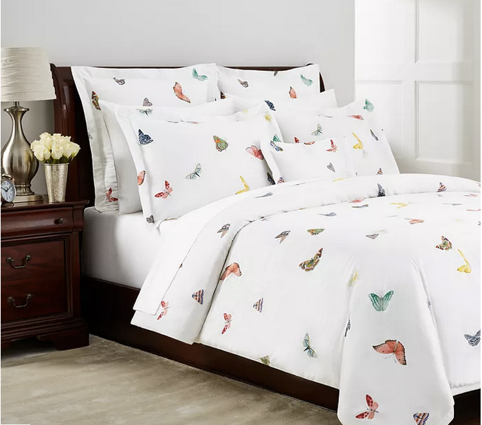 Jil Blanc Bedding Collection