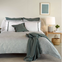 Load image into Gallery viewer, Caravela Duvet Cover