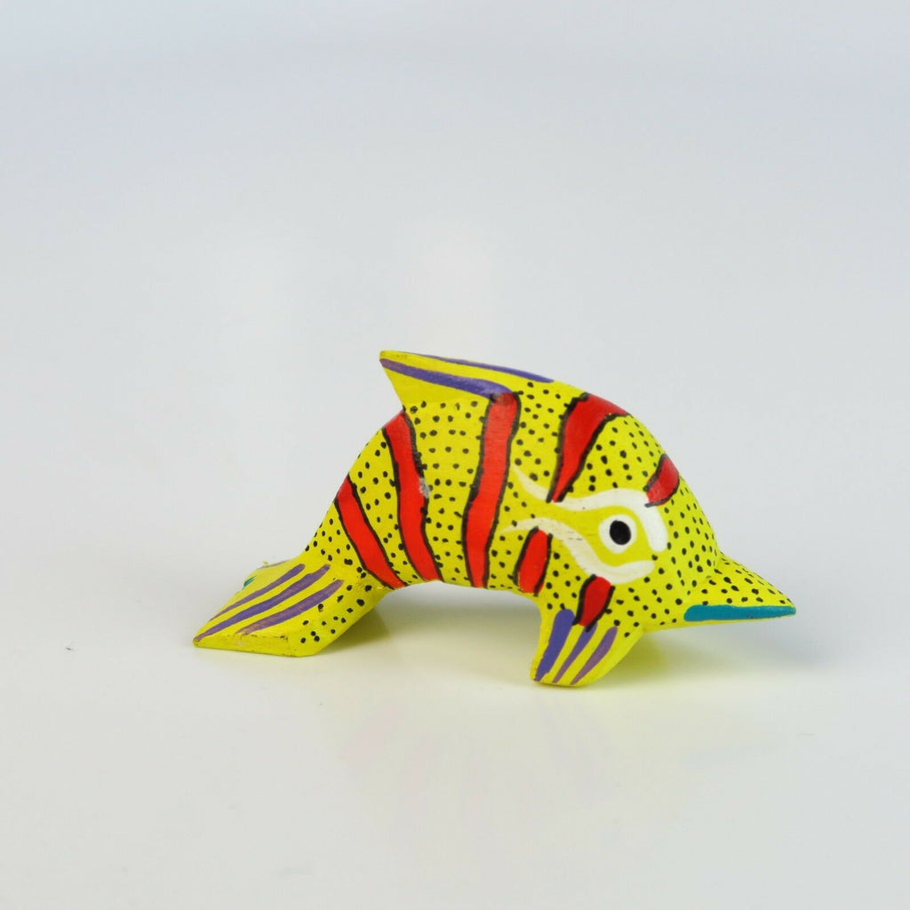 YELLOW DOLPHIN Mini Oaxacan Alebrije Wood Carving Mexican Folk Art Sculpture - VivaMexico.com