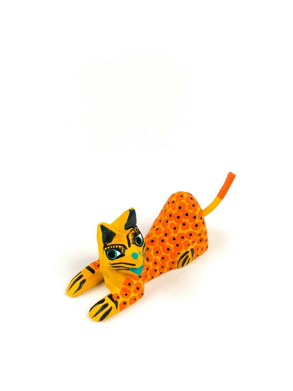 MINI YELLOW CAT Oaxacan Alebrije Wood Carving Mexican Folk Art Sculpture - VivaMexico.com