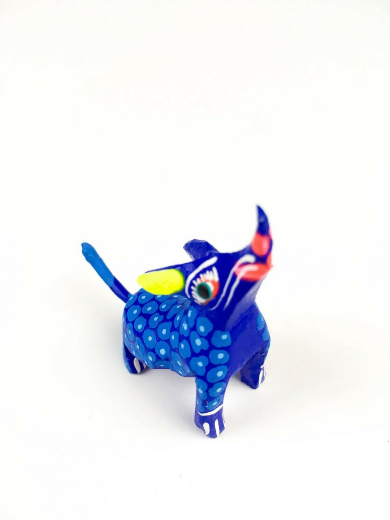 MINI BLUE COYOTE Oaxacan Alebrije Wood Carving Mexican Folk Art Sculpture - VivaMexico.com