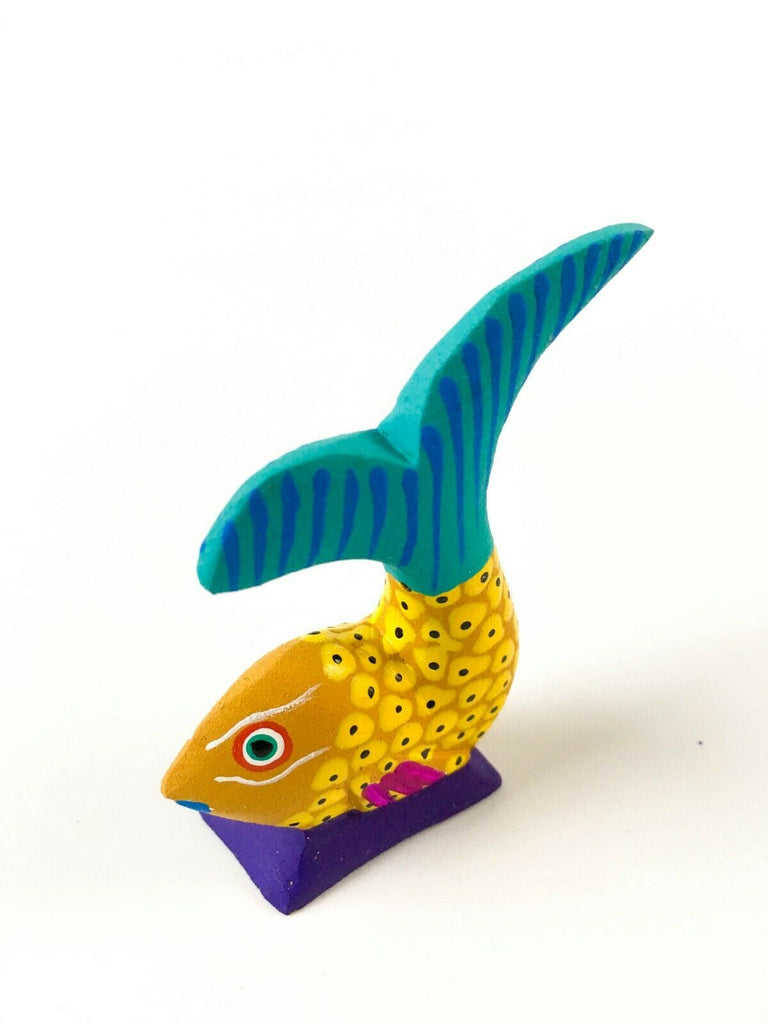 MINI YELLOW FISH Oaxacan Alebrije Wood Carving Mexican Folk Art Sculpture - VivaMexico.com