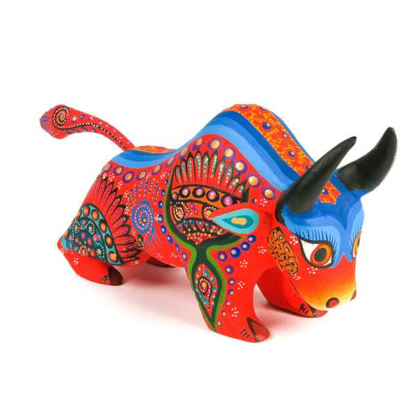Bull Oaxacan Alebrije Wood Carving Mexican Folk Art Sculpture - VivaMexico.com