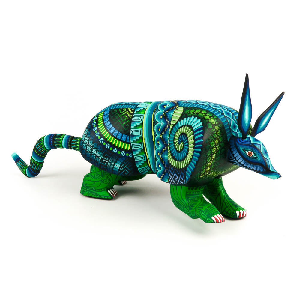 Armadillo - Oaxacan Alebrije Wood Carving Mexican Folk Art Sculpture - VivaMexico.com