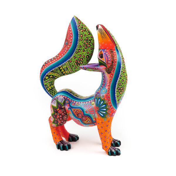 Beautiful Howling Coyote - Oaxacan Alebrije Wood Carving Sculpture - VivaMexico.com