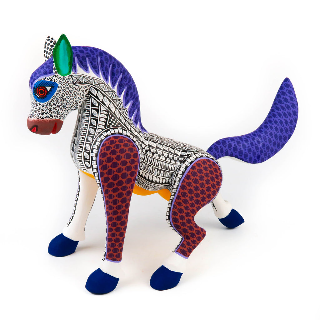White Horse - Oaxacan Alebrije Wood Carving Sculpture - VivaMexico.com