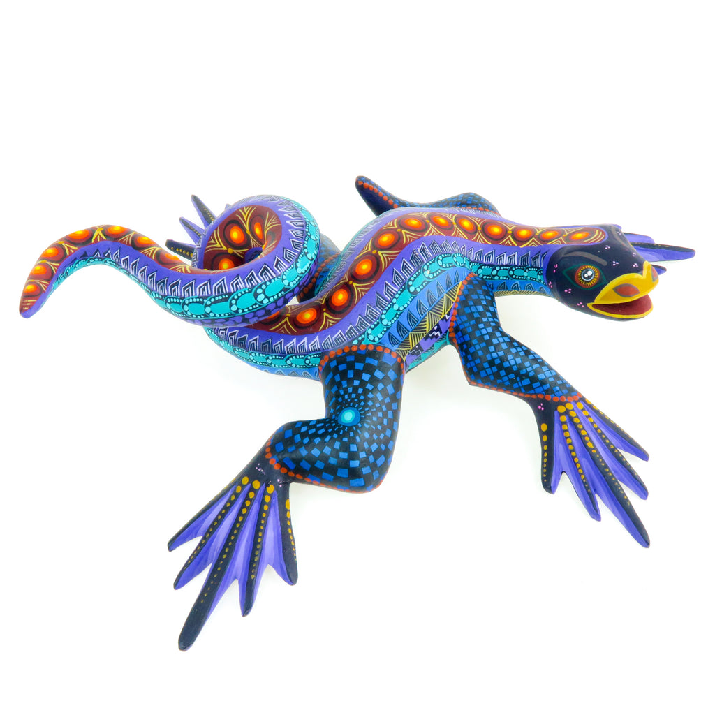 Cheerful Iguana - Oaxacan Alebrije Wood Carving