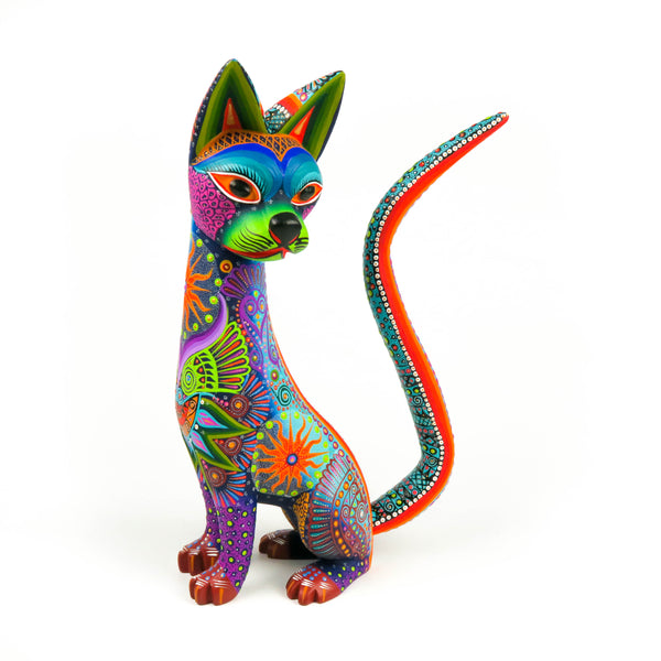 Gorgeous Cat - Oaxacan Alebrije Wood Carving