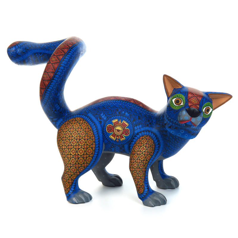 Zapotec Cat - Oaxacan Alebrije Wood Carving - VivaMexico.com