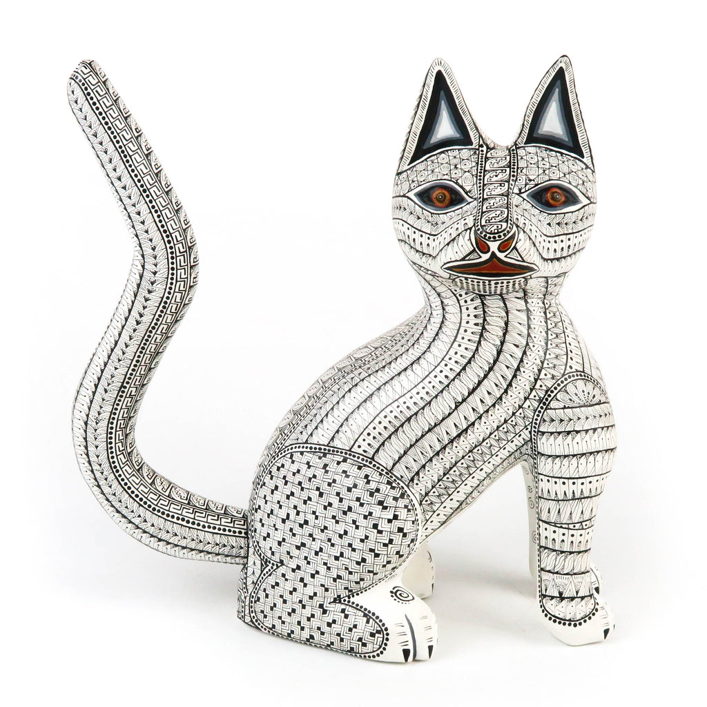 White Cat - Oaxacan Alebrije Wood Carving Sculpture - Nestor Melchor