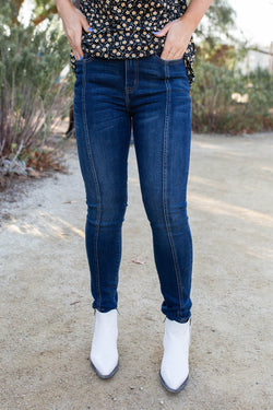 Seams Like Heaven Judy Blue Skinnies
