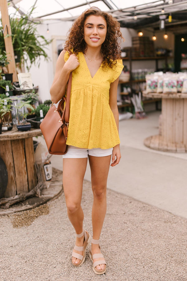Lucy Eyelets Top in Dandelion