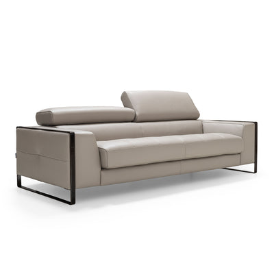Daniela Loveseat