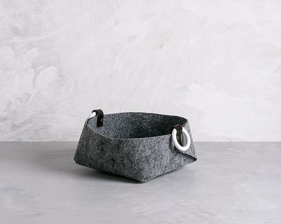 Small felt basket with white handles, desk organizer, catchall storage, SB by loopdesignstudio