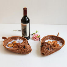 Load image into Gallery viewer, Plastic Vine Braided Shaped Fruits Holder Storage Basket  Fish Shaped Design
