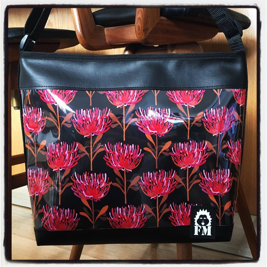 Zip-Up Tote Bag - Waratah
