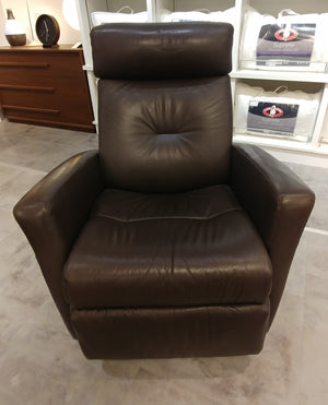 Monza Manual Relaxer with Chaise/Swivel [DISPLAY MODEL]