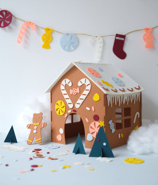 MINI MAKERS DIY GINGERBREAD HOUSE KIT