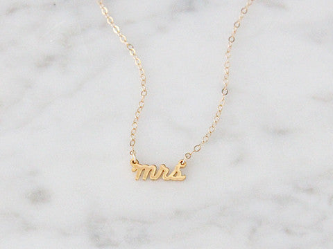 MRS SCRIPT NECKLACE